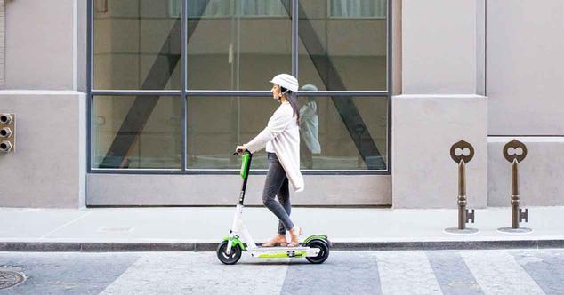Ver noticia 'Google Maps ya te dice dónde coger patinetes eléctricos en España'
