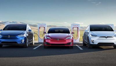 Tesla vuelve a ofrecer el Supercharger ilimitado y recupera el programa de referidos