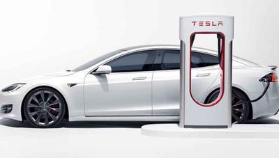 Así han evolucionado los Supercharger de Tesla: de 90 kW a 250 kW en la V3