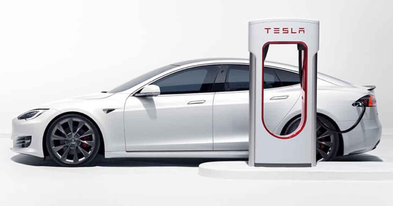 Ver noticia 'Noticia 'Así han evolucionado los Supercharger de Tesla: de 90 kW a 250 kW en la V3''
