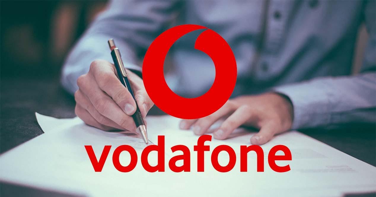 Ver noticia 'Noticia 'Cómo cambiar de titular un contrato en Vodafone''