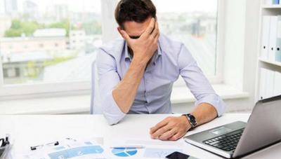 ¿Qué hago si el portátil de empresa deja de funcionar y estoy fuera de la oficina?