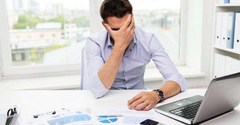 ordenador preocupado