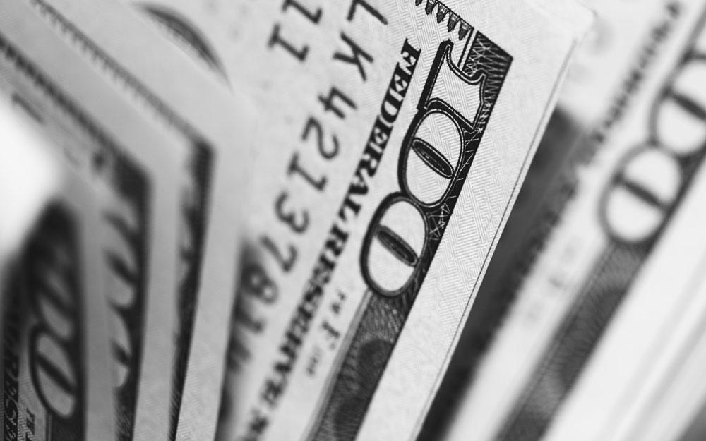 Cómo gana dinero PayPal