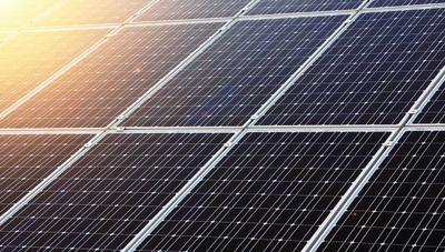 Crean paneles solares que puedes tener dentro de casa