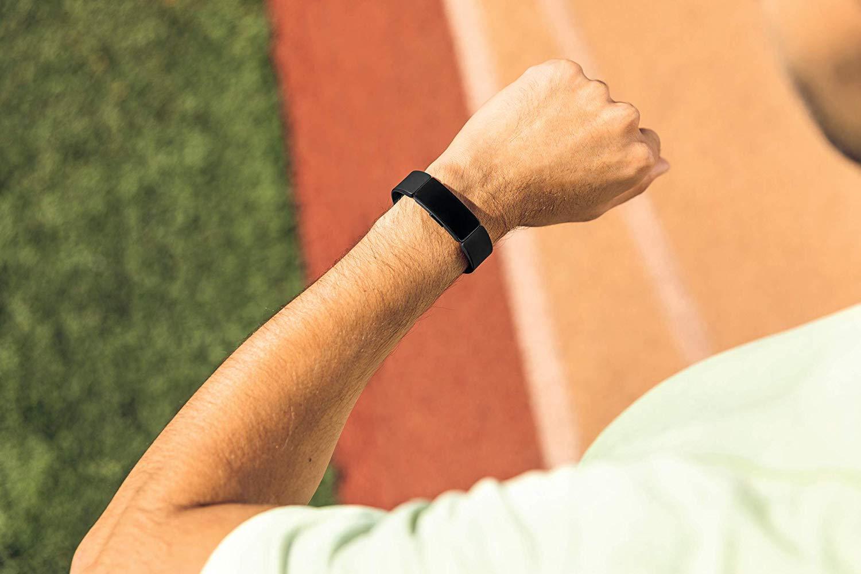 Fitbit Inspire HR - Mejores regalos tecnológicos