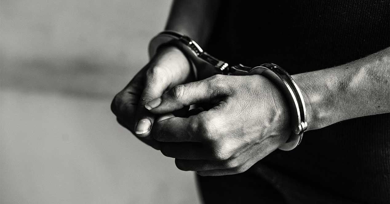 detenção algemas parar