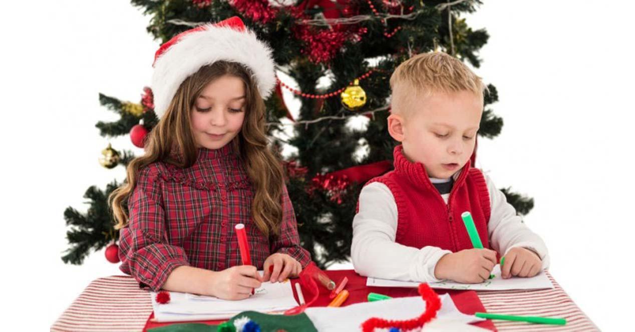 Niños pintando Navidad