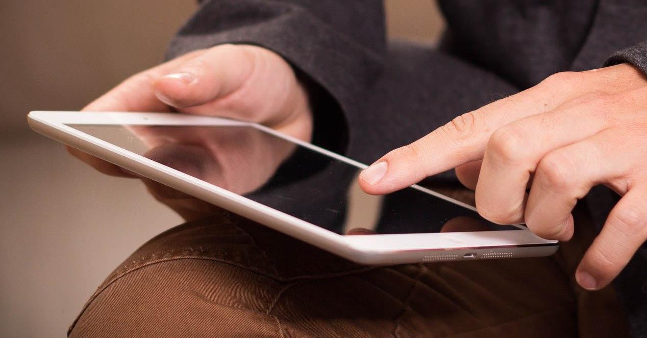 usando tablet