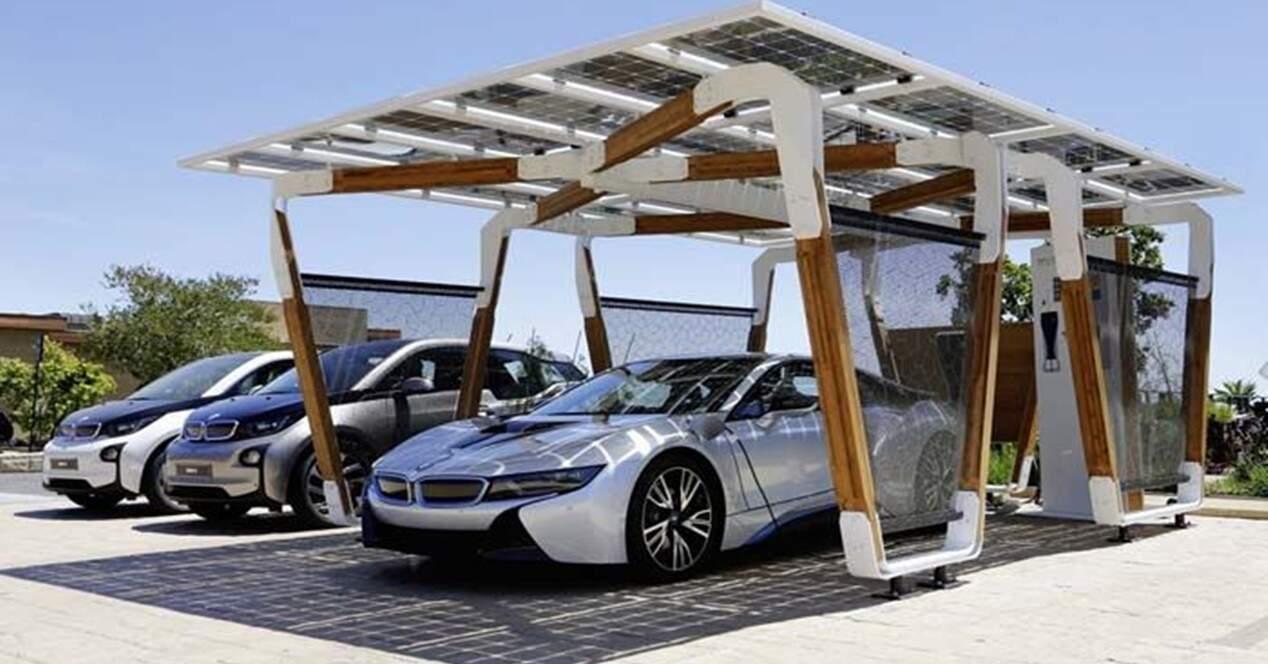 Cargar coche eléctrico placas solares