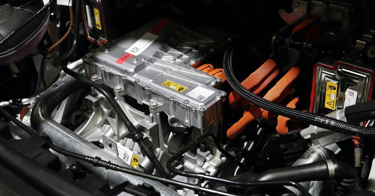 Cómo es mantenimiento coches eléctricos