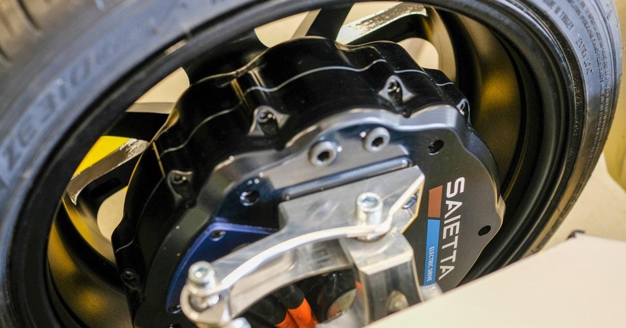 Motor eléctrico circular ruedas Saietta
