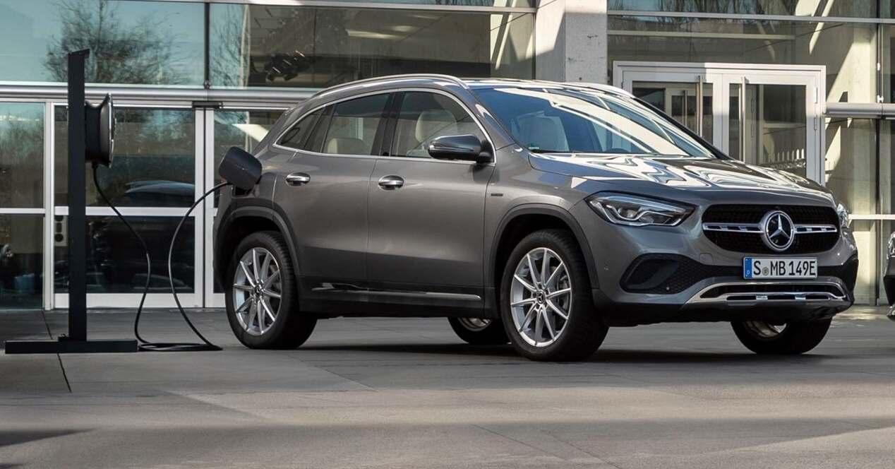 Mercedes GLA híbrido enchufable 2020