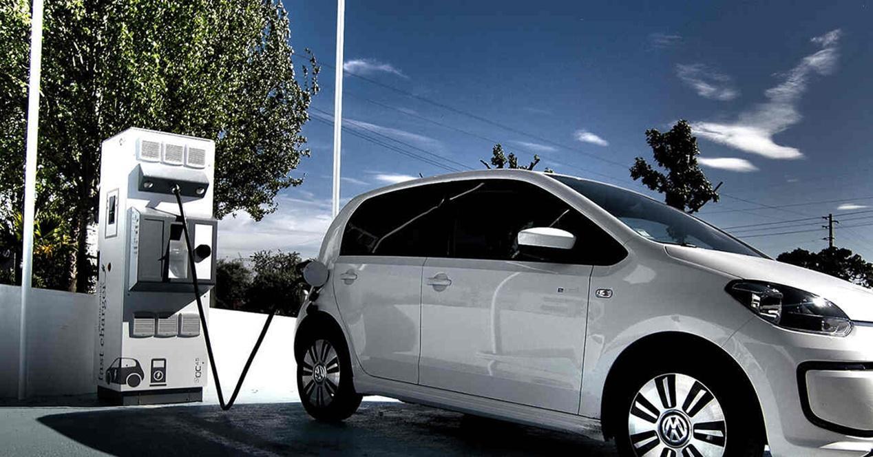 Cuánto tiempo cargar coche eléctrico