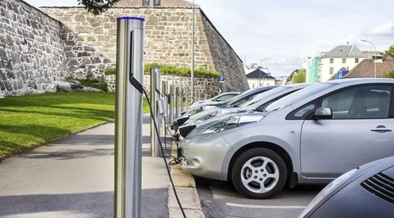 Tipos tiempos cargar coche electrico