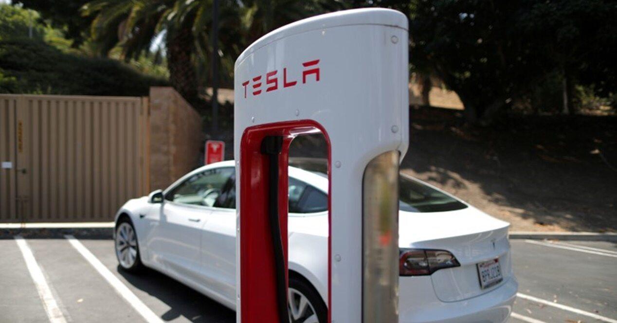 Baterías tóxicas eléctricos Tesla 92%