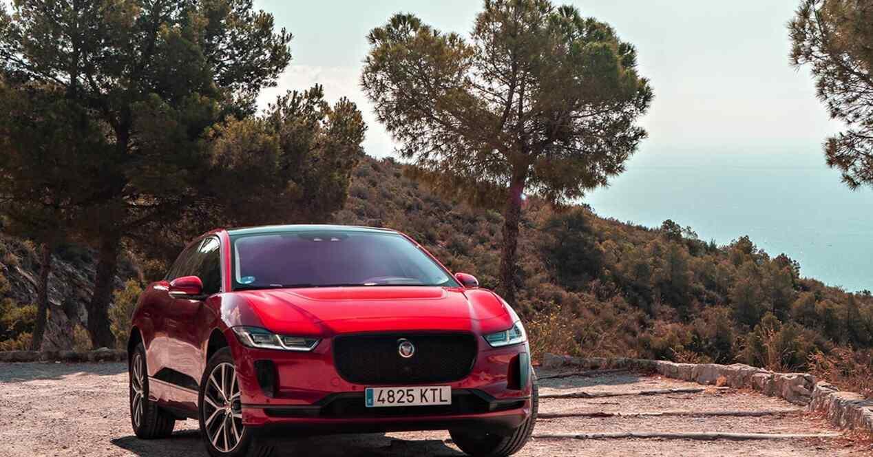 Jaguar I-Pace EV 400 AWD 2018 ficha técnica