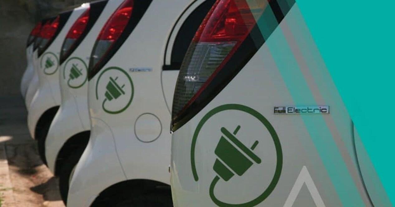 Qué contaminación tiene coche eléctrico vs híbrido