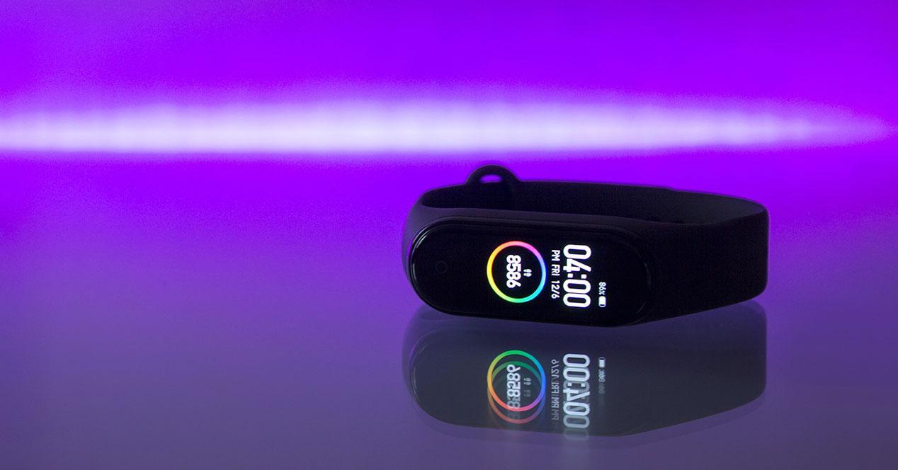Una de las smartbands con más batería